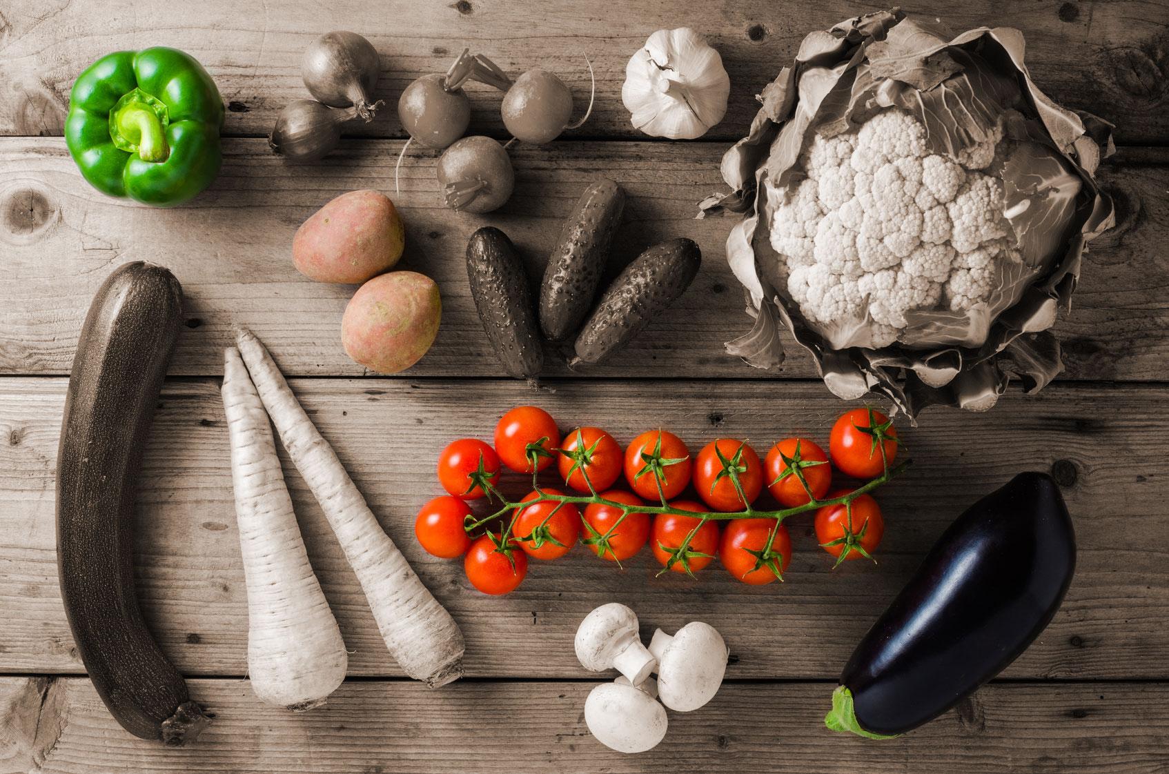 Foto: die giftigen Nachtschattengewächse: Paprika, Tomate, Kartoffel und Aubergine. © foodfibel.de, © Leszek Czerwonka, Fotolia #104777454