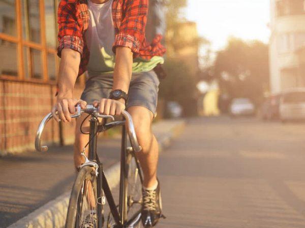 Fahrradfahrer in der Stadt. © Oleg Evseev, 123rf.com .