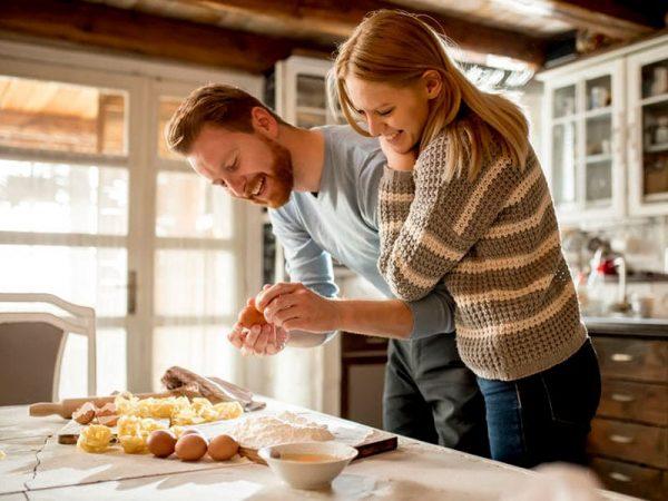 Freude beim Essen, © boggy22, 123rf.com .